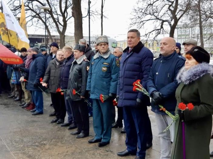День Неизвестного Солдата Захар Прилепин встретил в Вологде 1