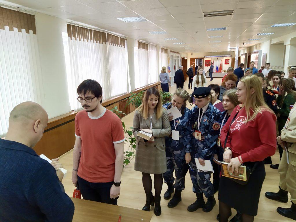 День Неизвестного Солдата Захар Прилепин встретил в Вологде 2