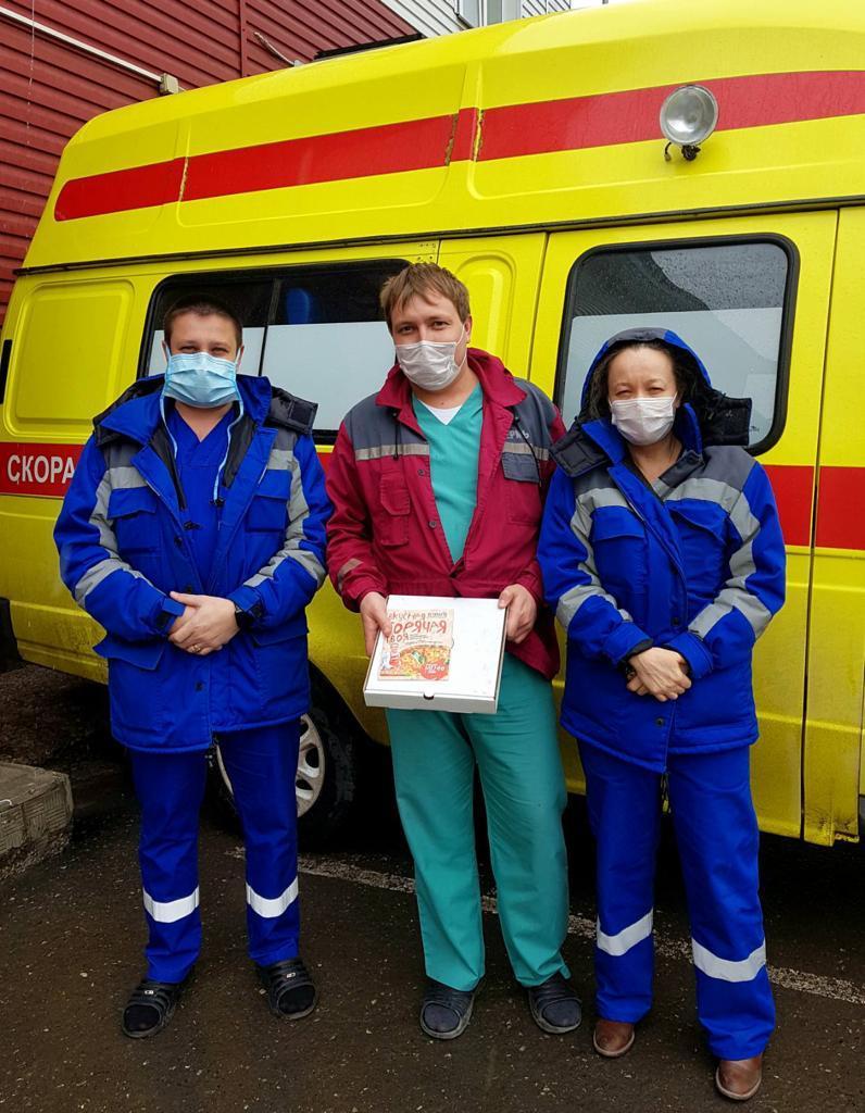 Волонтеры Движения ЗА ПРАВДУ в Перми поздравили медиков с наступающим праздником Пасхи 1