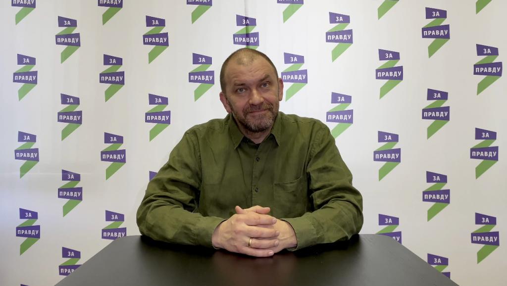 Отвечает первый заместитель председателя партии Александр Казаков 5