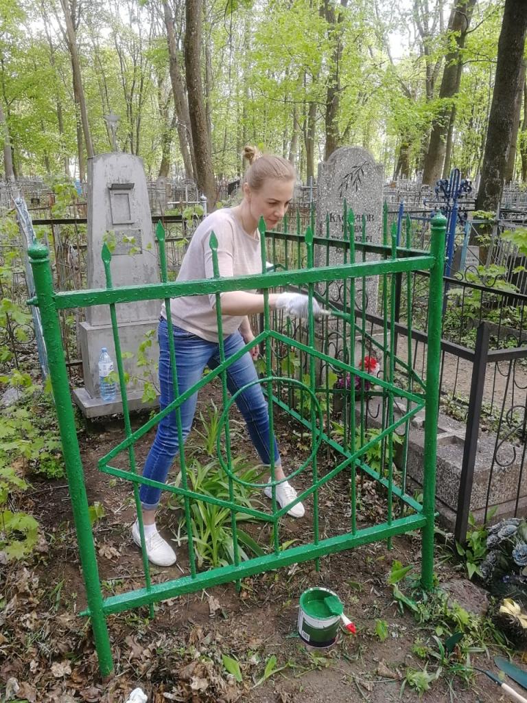 Курские активисты Движения ЗА ПРАВДУ восстановили своими руками могилу участника Великой Отечественной войны 1