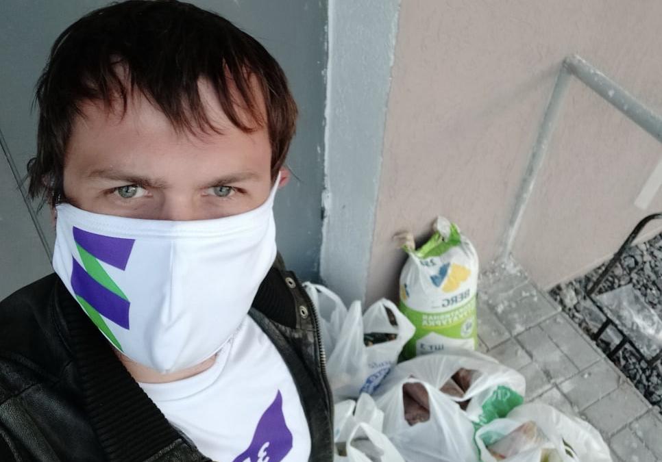 Активисты в Пензе помогают с доставкой продуктов
