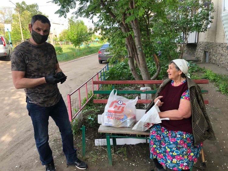 Челябинские активисты помогают горожанам