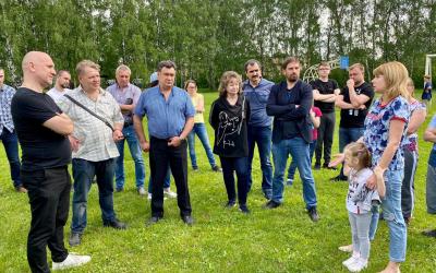 Захар Прилепин поможет жителям «Есенинской Руси»