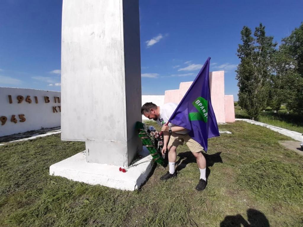 Добровольцы в Воронеже восстанавливают памятники войны 1