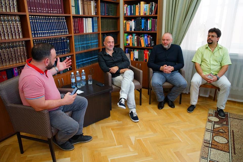 Захар Прилепин: «На 2,5 тысячи рублей паразитом не станешь» 4