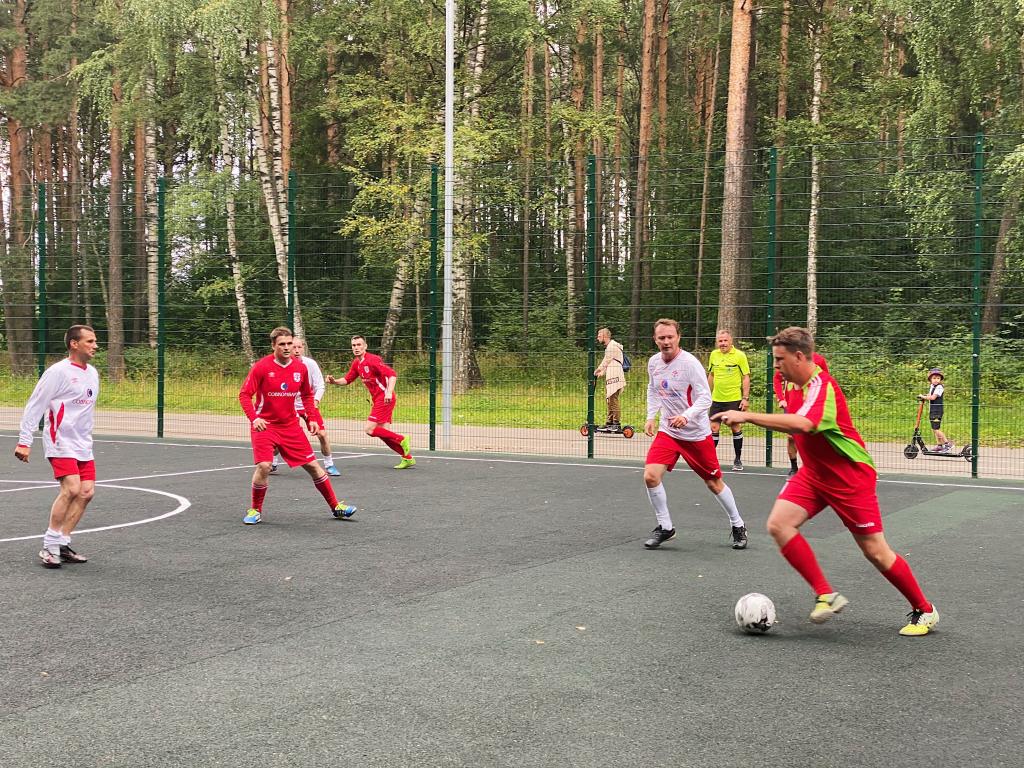 За честный футбол: команда «ЗА ПРАВДУ» приняла участие в футбольном турнире в Костроме 8