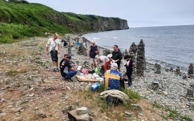 Сторонники во Владивостоке провели экологический субботник