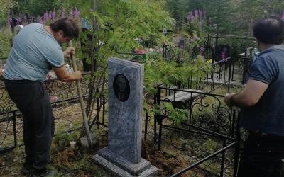 «Не словом, а делом»: активисты в Салехарде восстановили могилу советского солдата