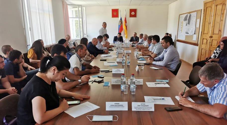 В Северной Осетии прошла встреча членов регионального отделения партии с общественностью Ирафского района 1