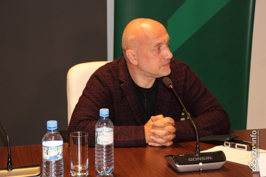 Захар Прилепин совместно срязанскими активистами презентовал экопроект 2