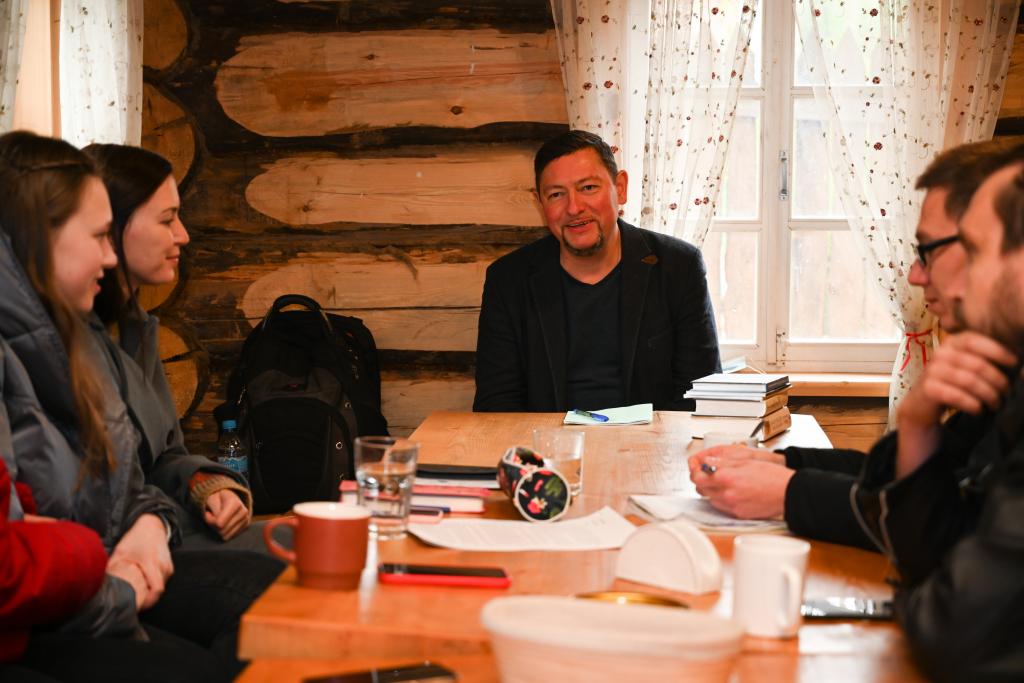 В рамках работы «Мастерской Захара Прилепина» на Хуторе прошла литературная встреча 2