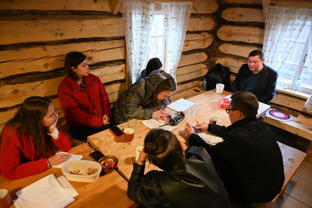 В рамках работы «Мастерской Захара Прилепина» на Хуторе прошла литературная встреча 1