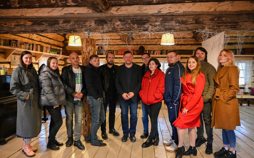 В рамках работы «Мастерской Захара Прилепина» на Хуторе прошла литературная встреча