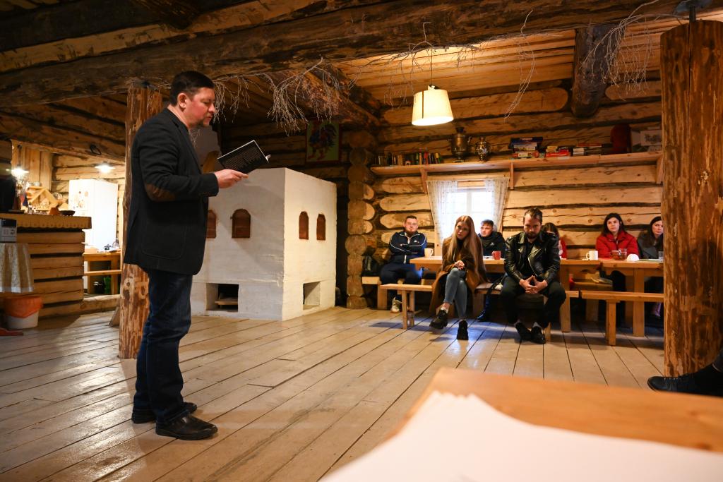 В рамках работы «Мастерской Захара Прилепина» на Хуторе прошла литературная встреча 13