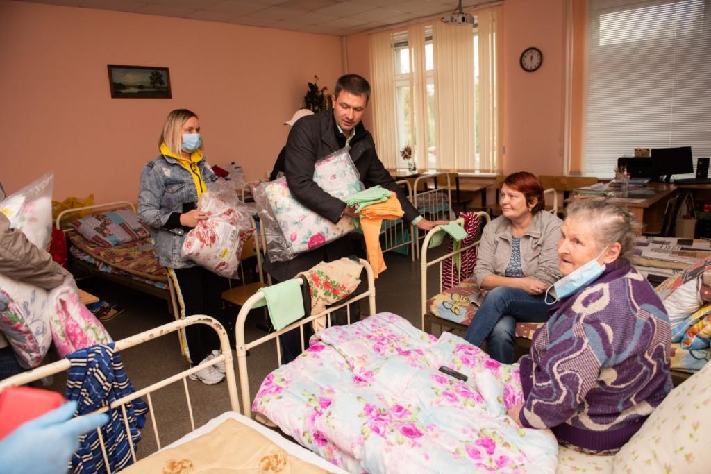 Григорий Парсентьев передал помощь пострадавшим от взрывов в Рязанской области 8