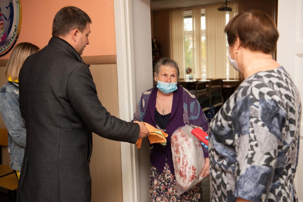 Григорий Парсентьев передал помощь пострадавшим от взрывов в Рязанской области 7