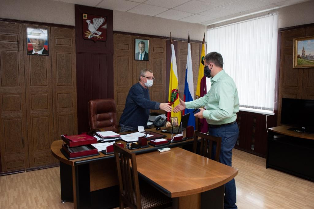 Григорий Парсентьев передал помощь пострадавшим от взрывов в Рязанской области 9