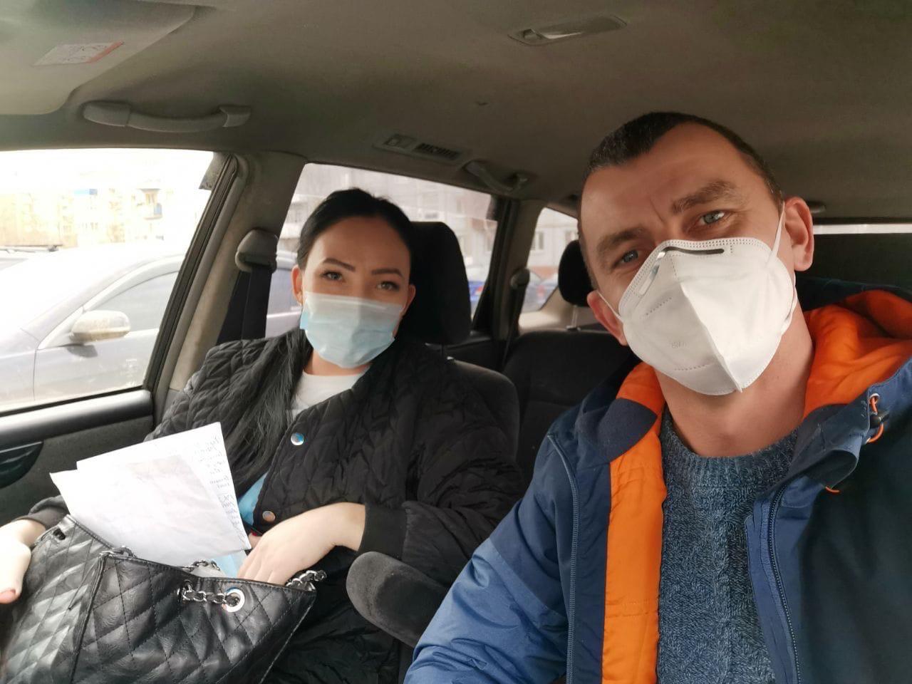 Активисты в Иркутске на личных авто отвозят медиков к больным 1