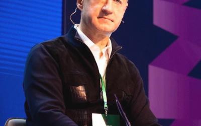 Поздравляем Александра Бабакова с государственной наградой