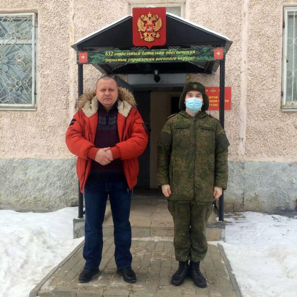 Активисты ЗА ПРАВДУ Екатеринбурга поздравили военнослужащих с профессиональным праздником 1