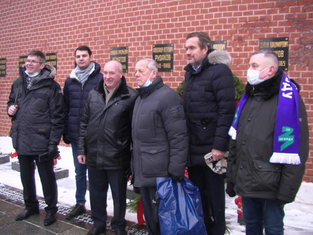 Гвардия Захара Прилепина почтила память Королёва 1