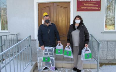 Подарки пожилым и инвалидам от ЗА ПРАВДУ в Кабардино-Балкарии