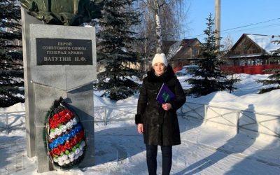 Сторонники движения из г. Димитровграда возложили цветы к памятникам защитникам Отечества
