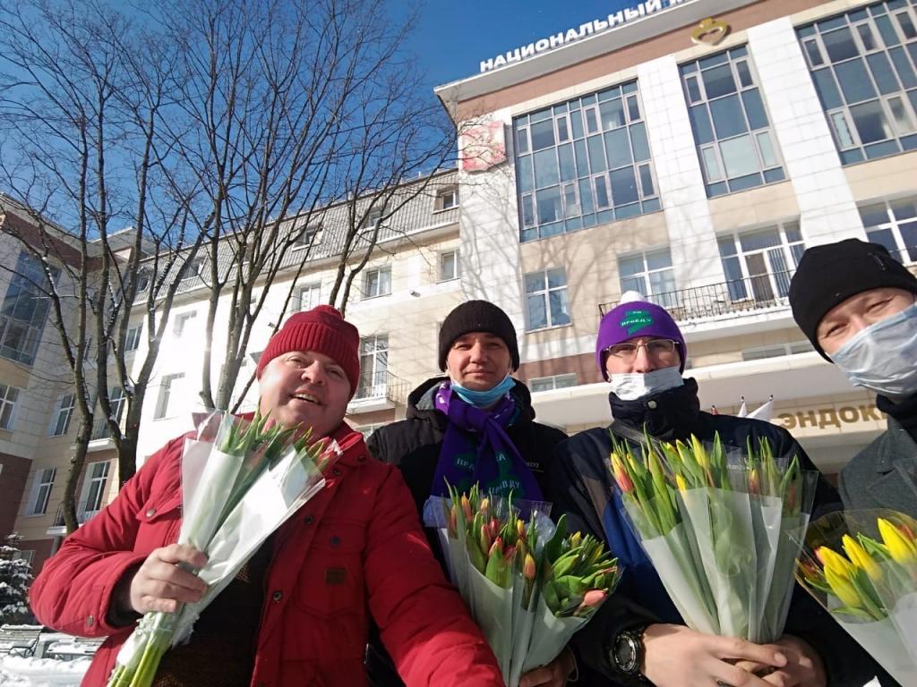 Движение Захара Прилепина поздравило женщин по всей стране 5