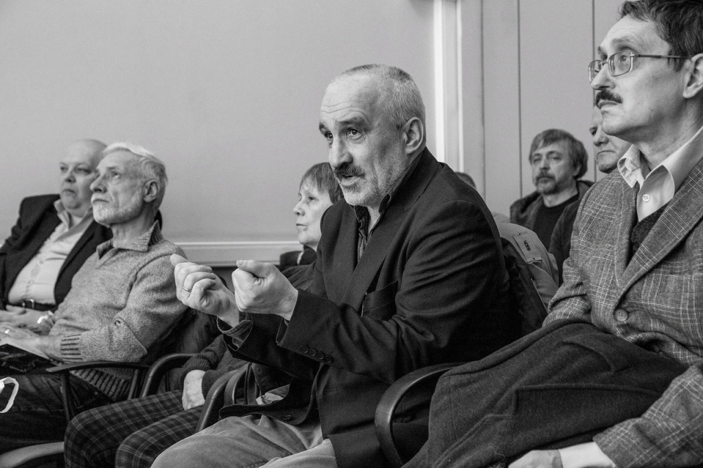 Всестороннее обсуждение на собрании Движения Захара Прилепина в ЦАО 4