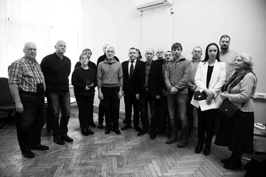 Всестороннее обсуждение на собрании Движения Захара Прилепина в ЦАО 5