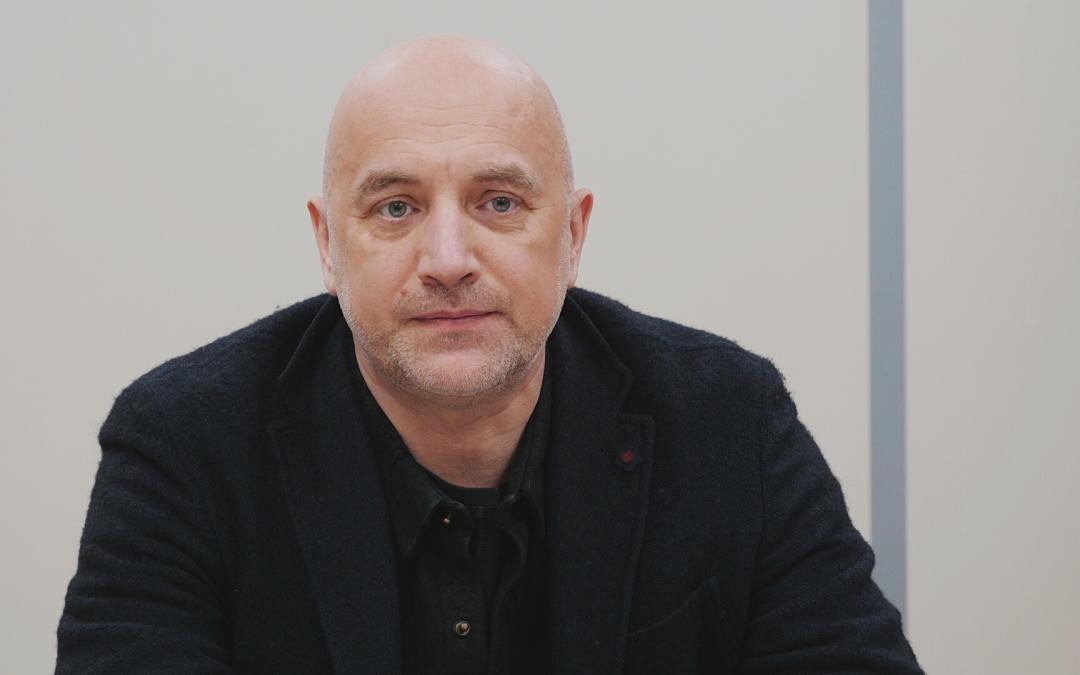 Захар Прилепин обратился к президенту с предложением ввести вакцинный туризм в Россию