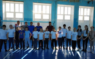 Глава Движения Захара Прилепина в Саратове дал мастер-класс по боксу