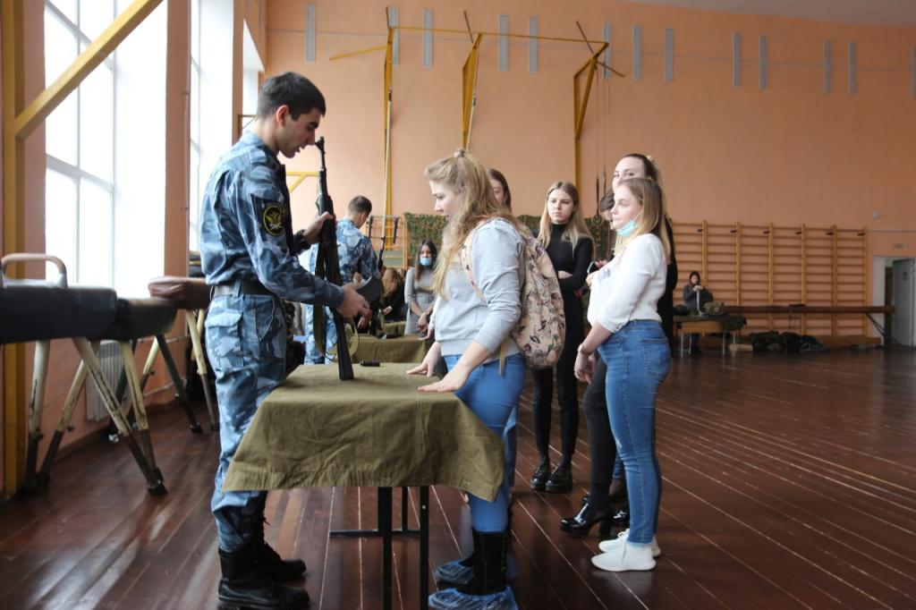Гвардия Захара Прилепина продолжает патриотическое воспитание студентов Рязани 1