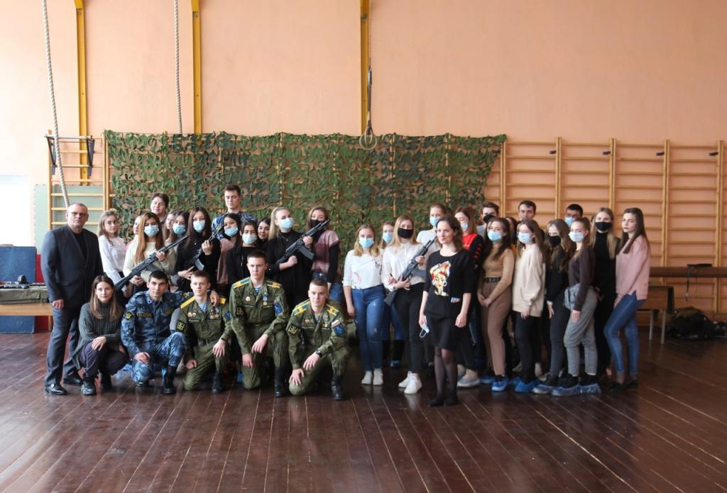 Гвардия Захара Прилепина продолжает патриотическое воспитание студентов Рязани 3