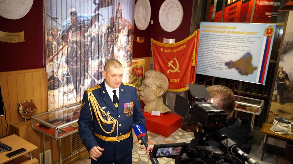 Пропавший барельеф Сталина был представлен на выставке в Доме офицеров в Екатеринбурге 2