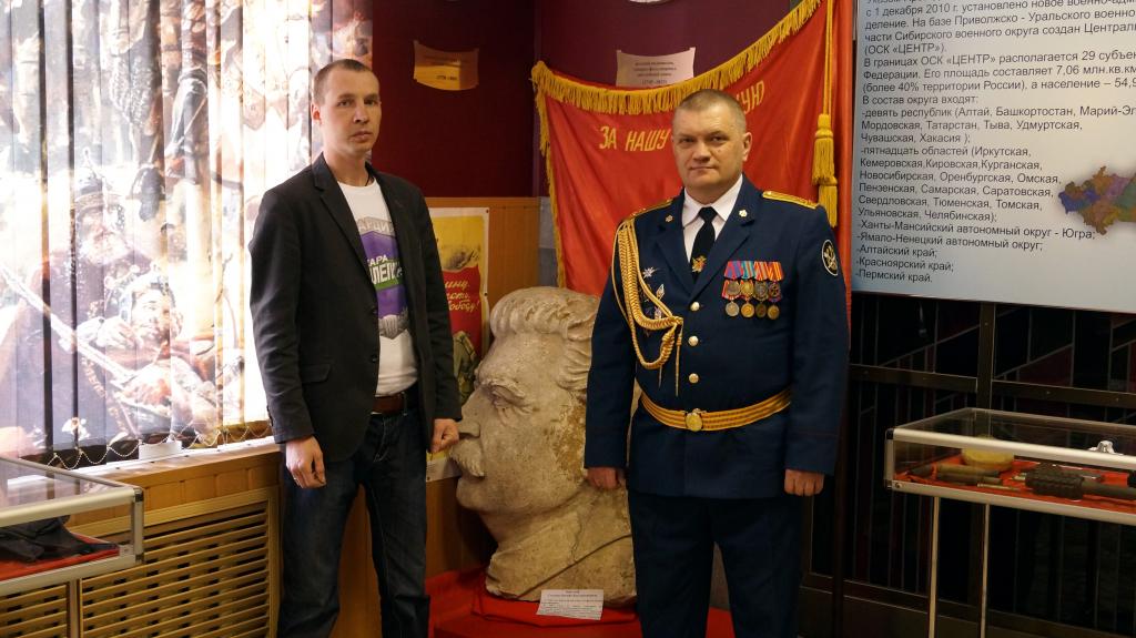 Дом офицеров в Екатеринбурге украсит памятник Сталину 2