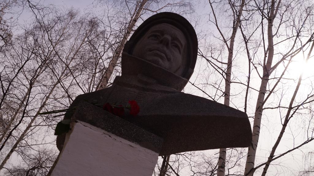 По всей России прошли акции Движения Захара Прилепина в честь 60-летия первого полета человека в космос 39