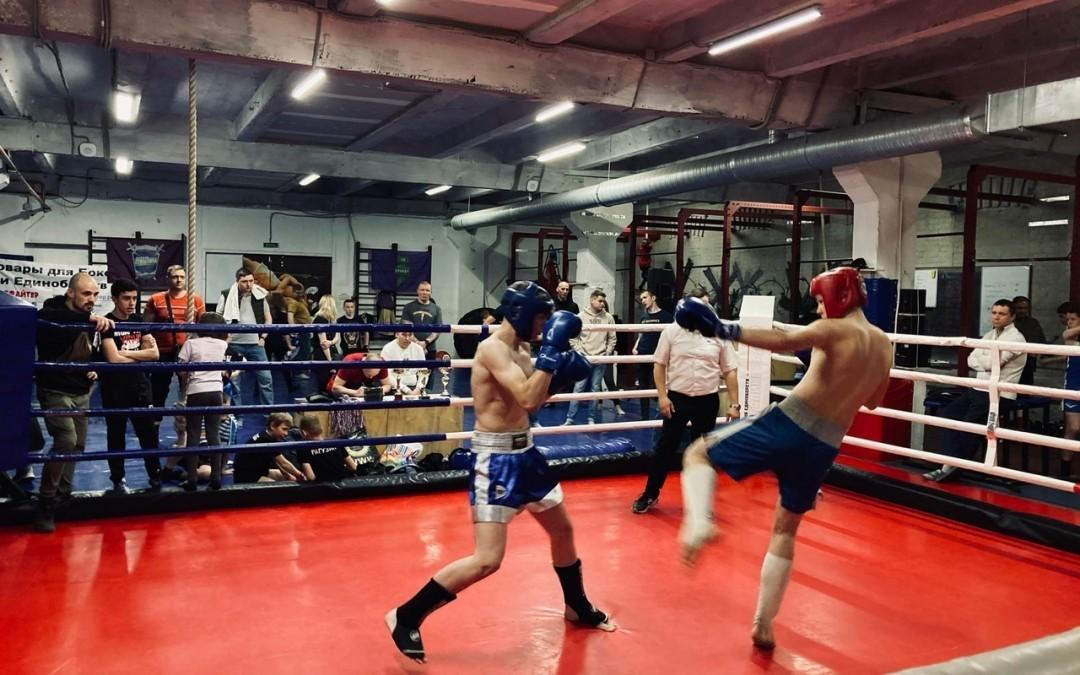 В Санкт-Петербурге проходят бесплатные тренировки по боксу и рукопашному бою