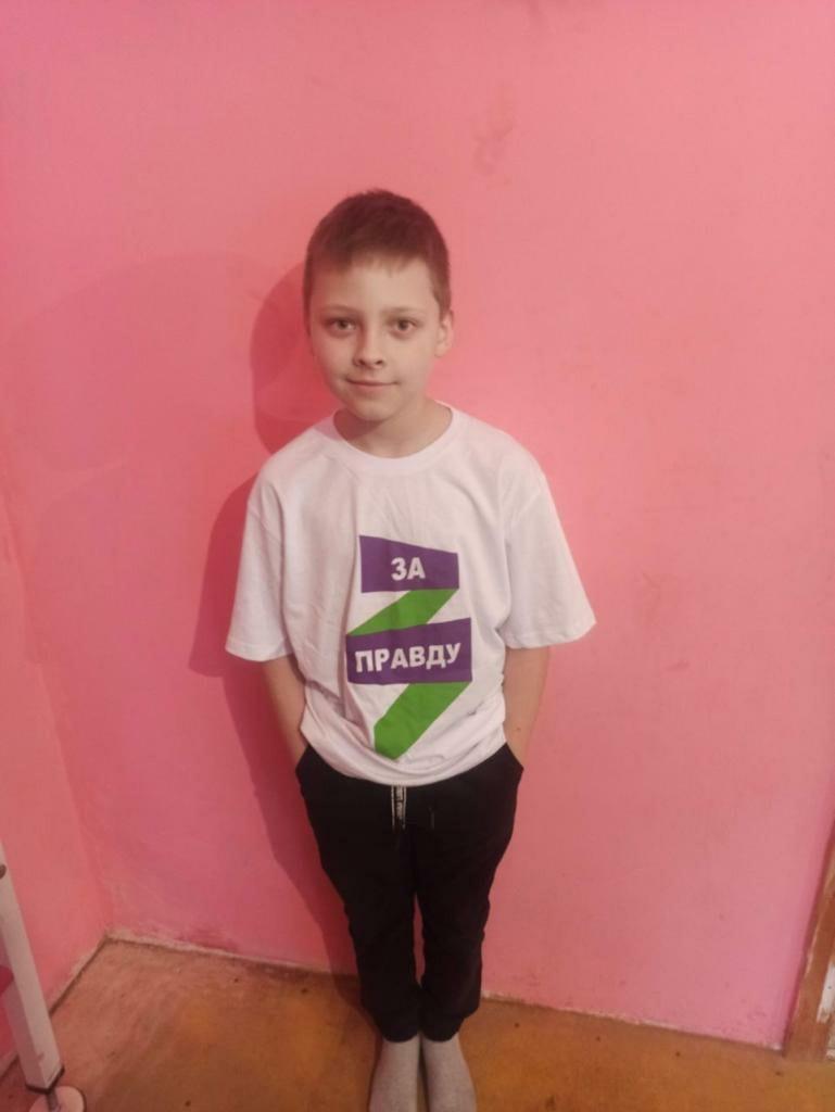 Дети ДНР получили подарки от брянских активистов 4