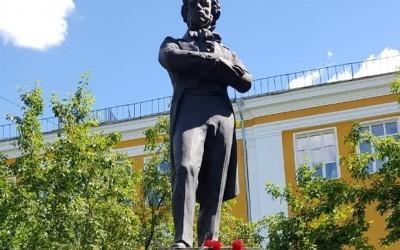 Пушкинский день России в Екатеринбурге – акция у забытого памятника