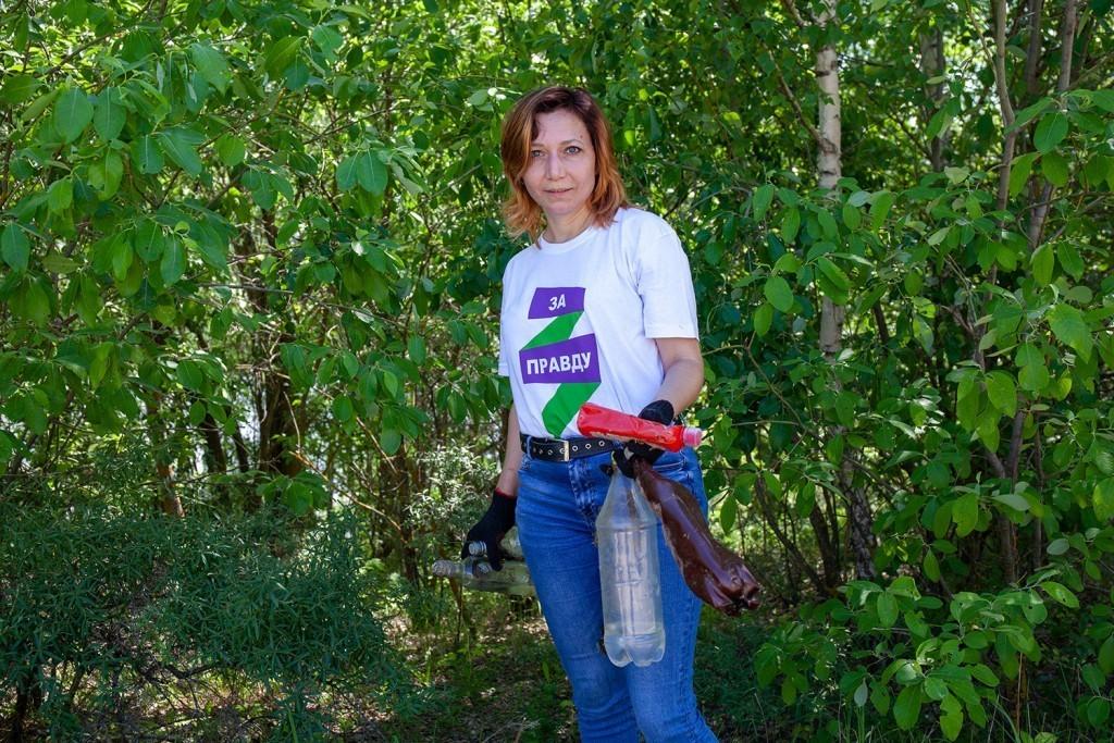 Активисты Движения Захара Прилепина провели субботник на берегу Оки 6
