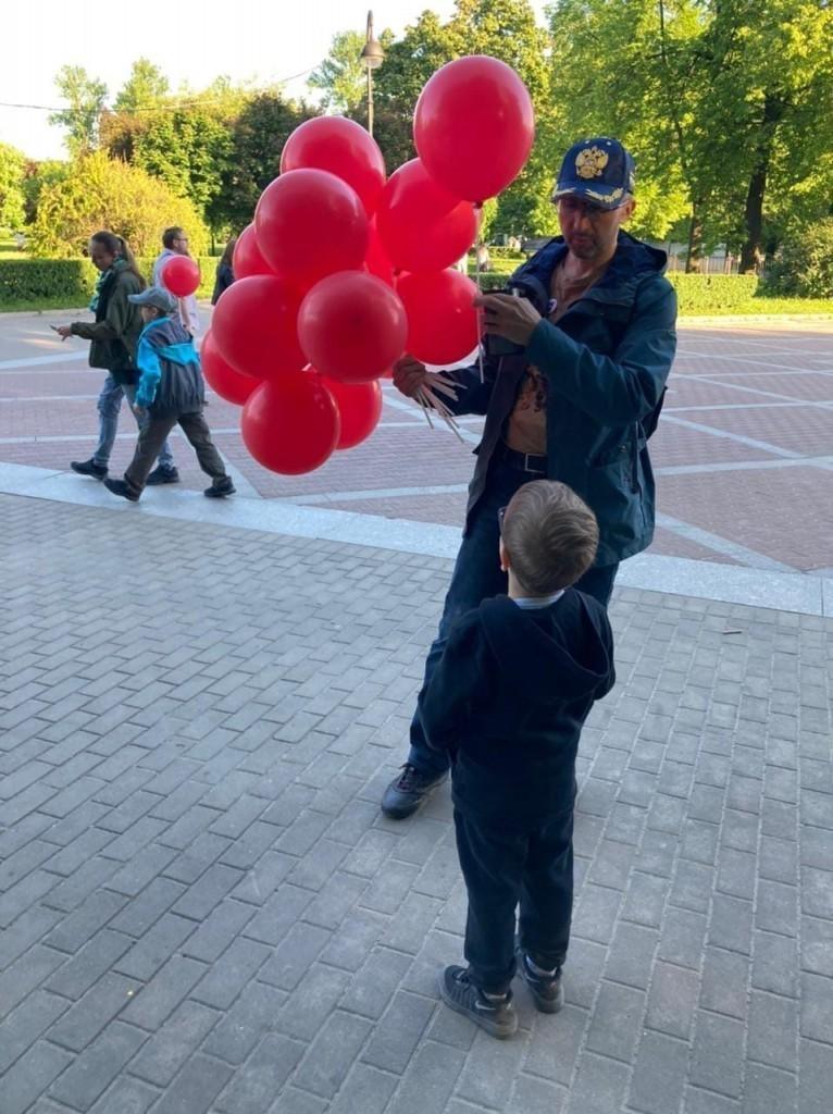 Гвардия Захара Прилепина в Санкт-Петербурге провела мероприятие, посвящённое Дню защиты детей 3