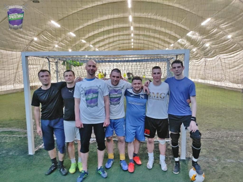 Гвардейцы Волхова поздравили маленьких футболистов 4