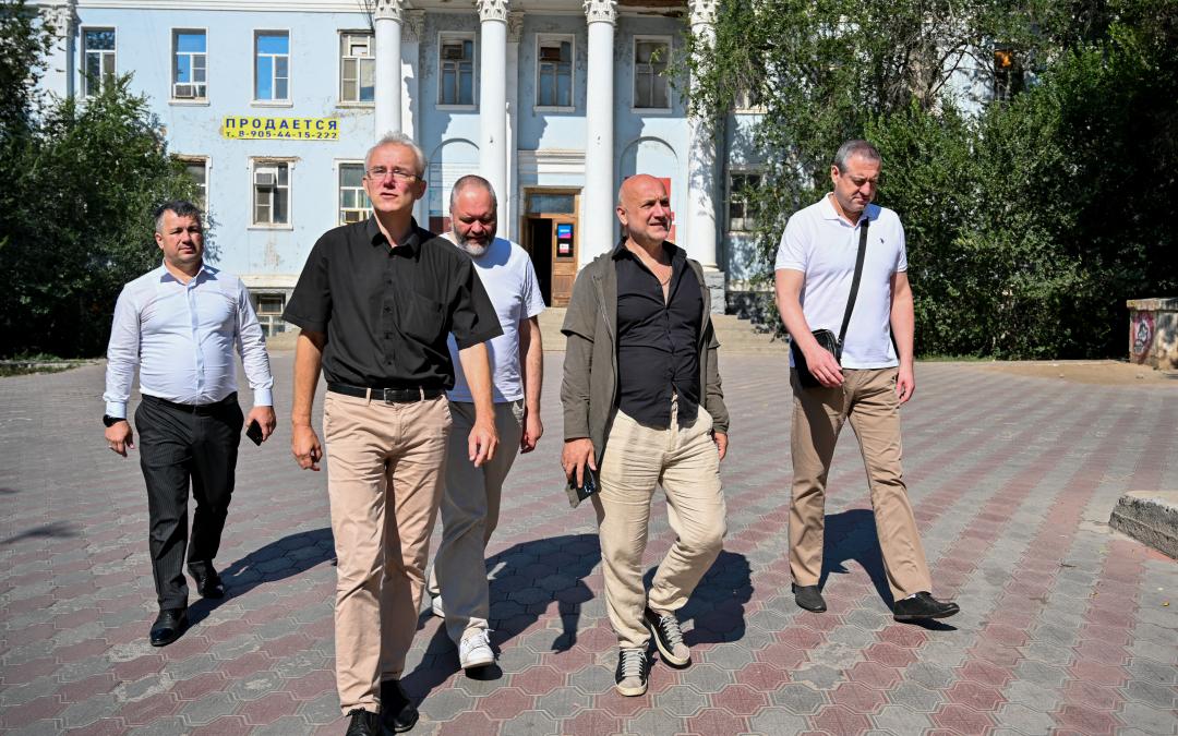 Захар Прилепин с рабочим визитом посетил Астраханскую область