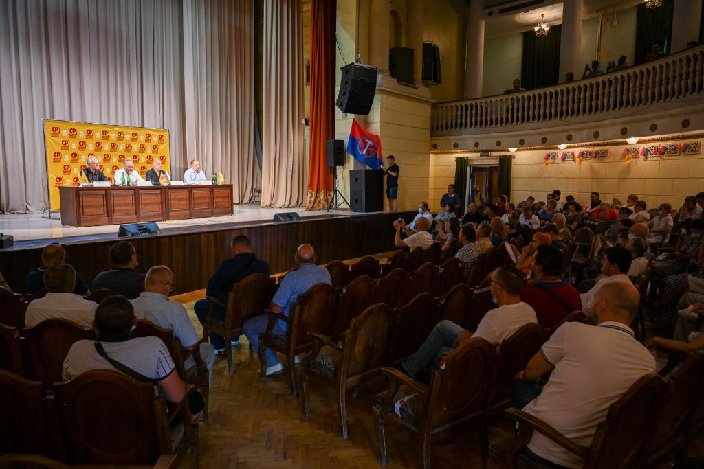Захар Прилепин находится с рабочим визитом в Волгограде 7