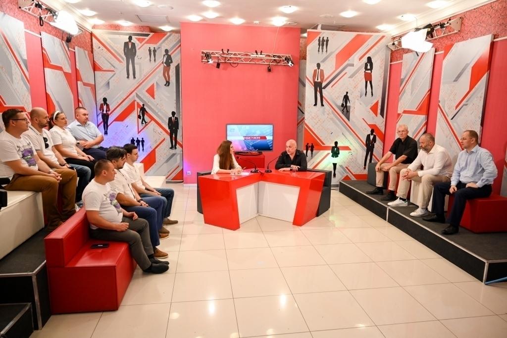 Захар Прилепин находится с рабочим визитом в Волгограде 6