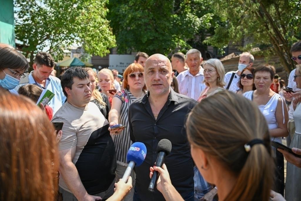 Захар Прилепин открыл арт-пространство Есенин Центра 4