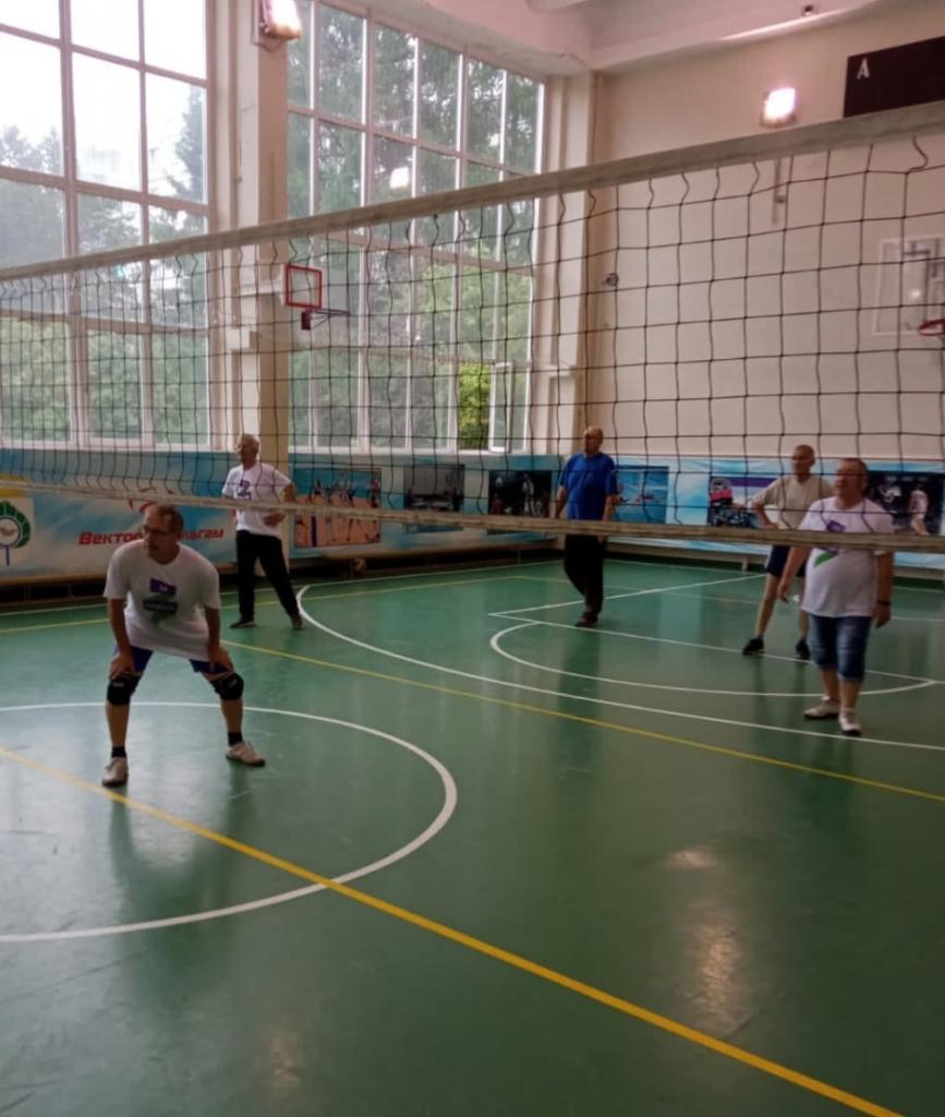 Движение Захара Прилепина провело тренировку по волейболу в Кольцово 1
