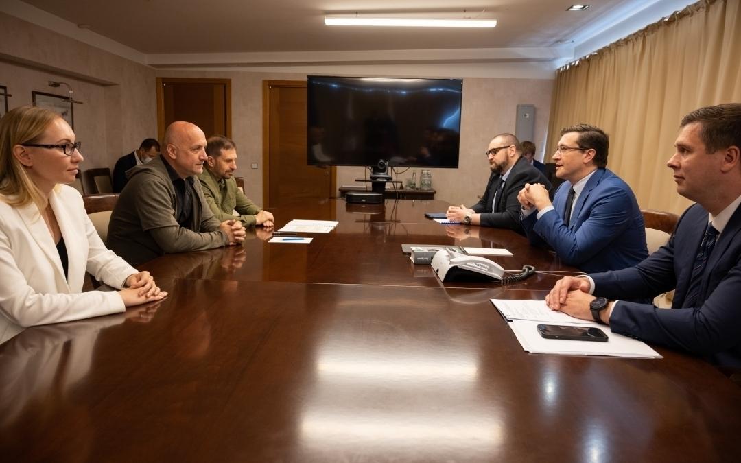 Команда Захара Прилепина с рабочим визитом в Нижнем Новгороде